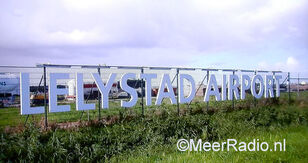 LELYSTAD AIRPORT cright MR
